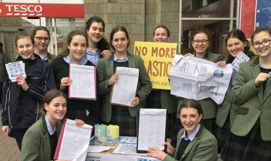 St Mary's Shaftesbury-Pupils Protest against Plastic